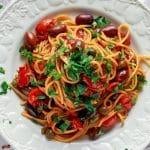 Recette de linguine aux tomates et aux câpres