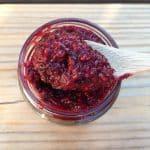 Recette de crufiture aux fruits rouges et graines de chia (confiture crue)