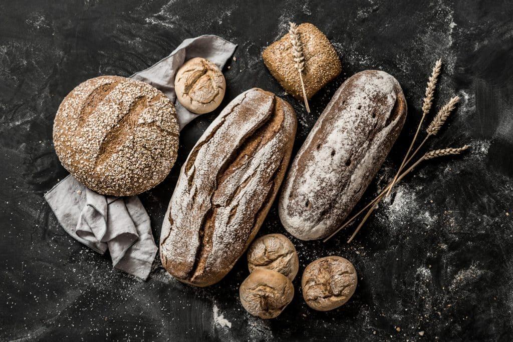 Présentation de pains farinés